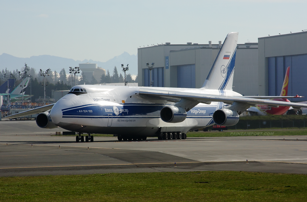 An-124 RA-82047 at Paine Field