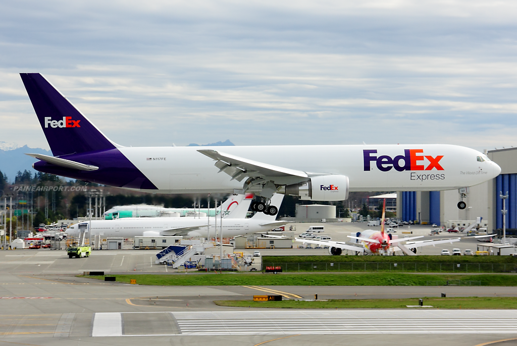 FedEx 767 N117FE at Paine Field