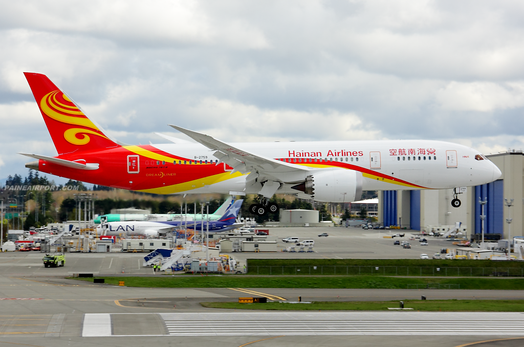 Hainan Airlines 787-8 B-2759 at Paine Field