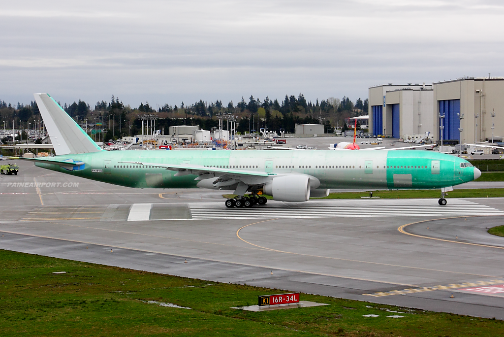 KLM 777 PH-BVO at Paine Field