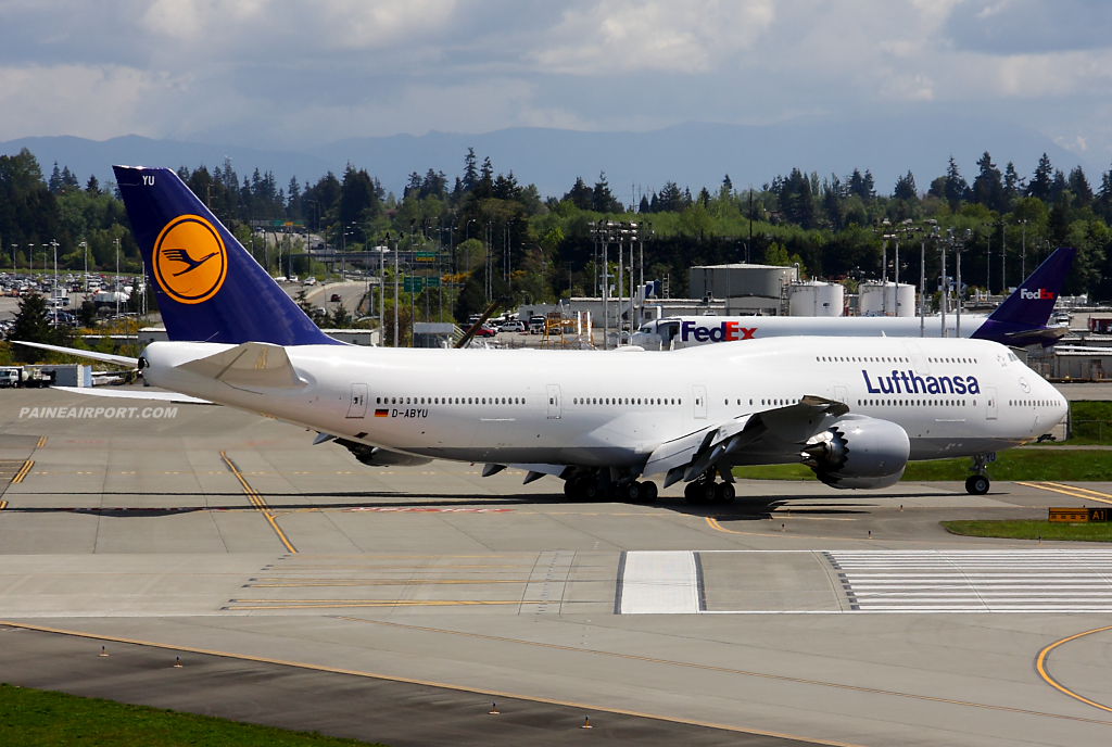 Lufthansa 747-8i D-ABYU at Paine Airport