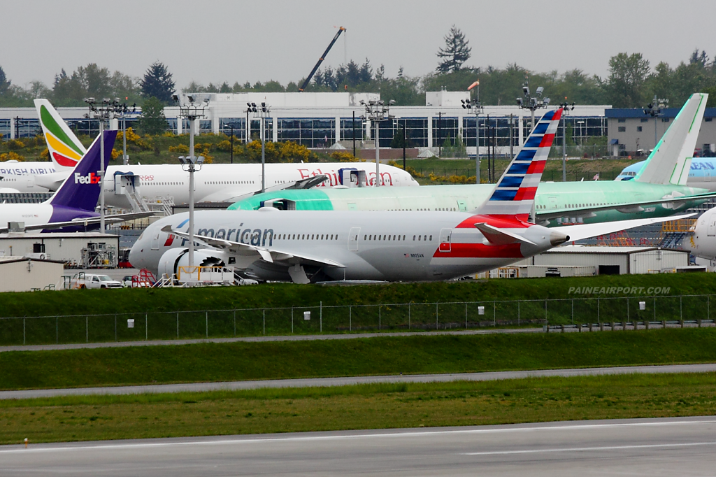 American Airlines 787 N805AN at Paine Airport
