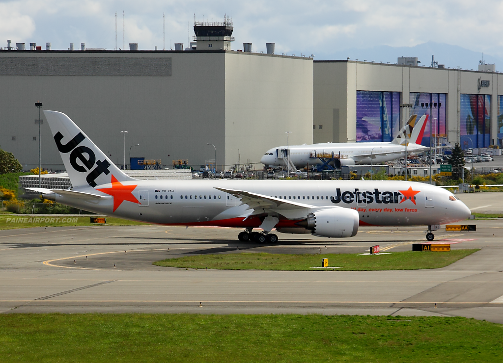 Jetstar Airways 787-8 VH-VKJ at Paine Airport