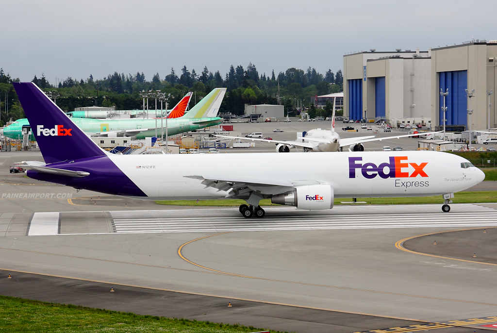 FedEx 767 N121FE at Paine Airport