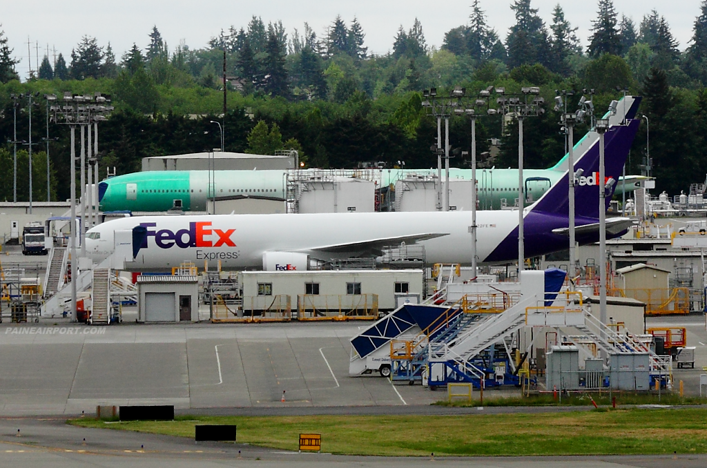 FedEx 767 N122FE at Paine Airport