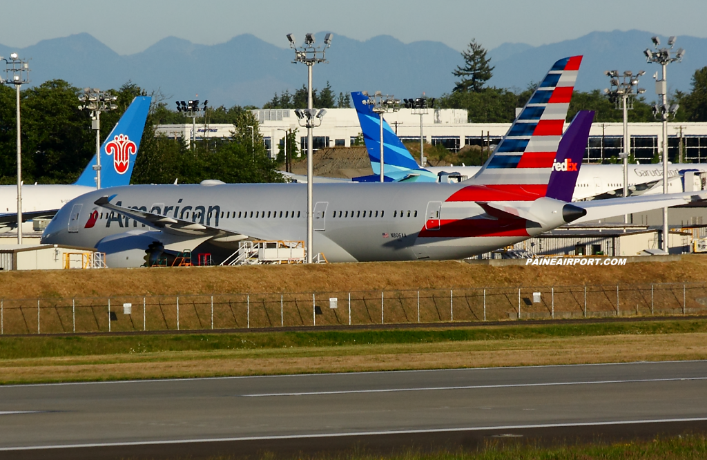 American Airlines 787-8 N806AA at Paine Airport