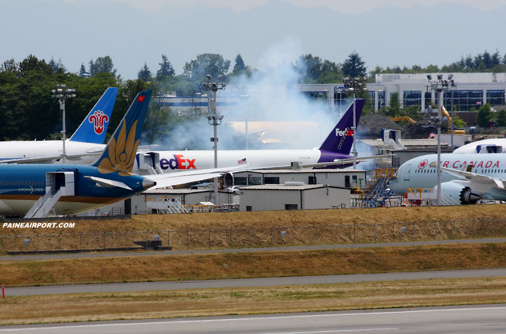 FedEx 767 N124FE at Paine Airport