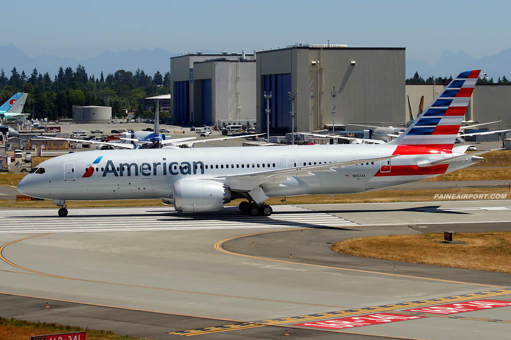 American Airlines 787 N807AA at Paine Airport