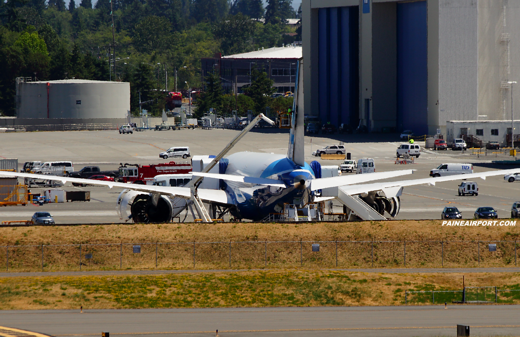 787-9 ZB001 N789EX at Paine Airport