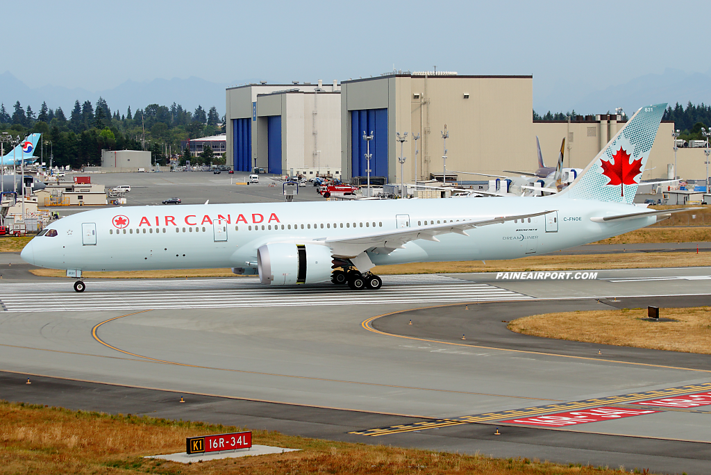 Air Canada 787-9 C-FNOE at Paine Airport