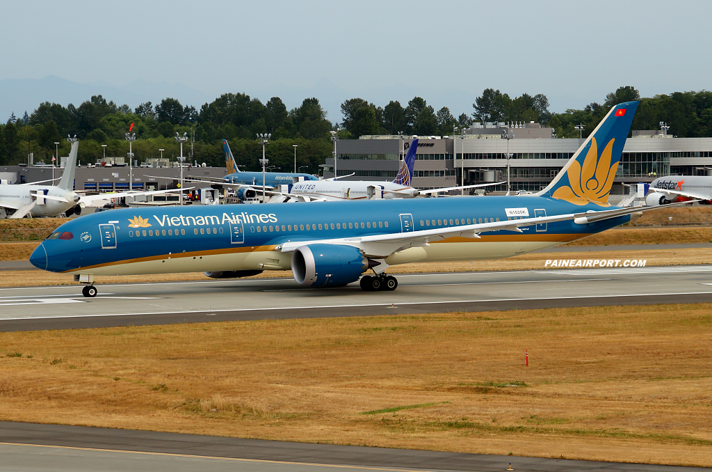 Vietnam Airlines 787-9 VN-A861 at Paine Airport