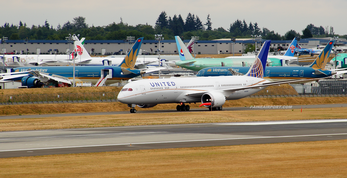 United Airlines 787-9 N45956 at Paine Airport