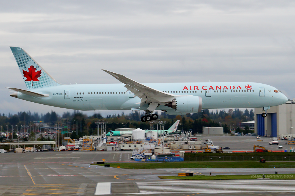 Air Canada 787-9 C-FNOH at Paine Airport