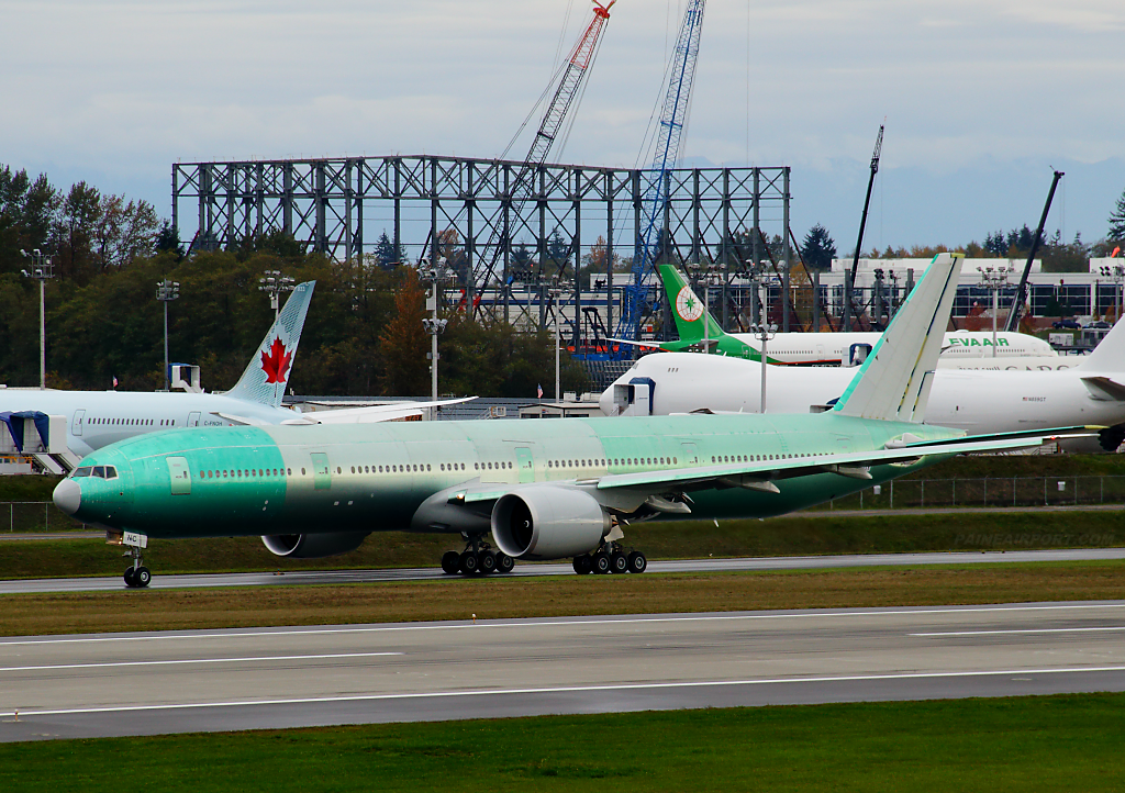 Singapore Airlines 777 9V-SNC at Paine Airport