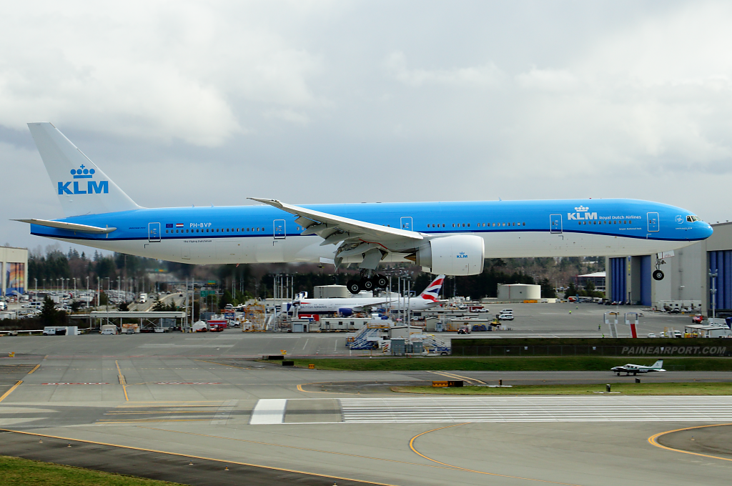 KLM 777 PH-BVP at Paine Airport