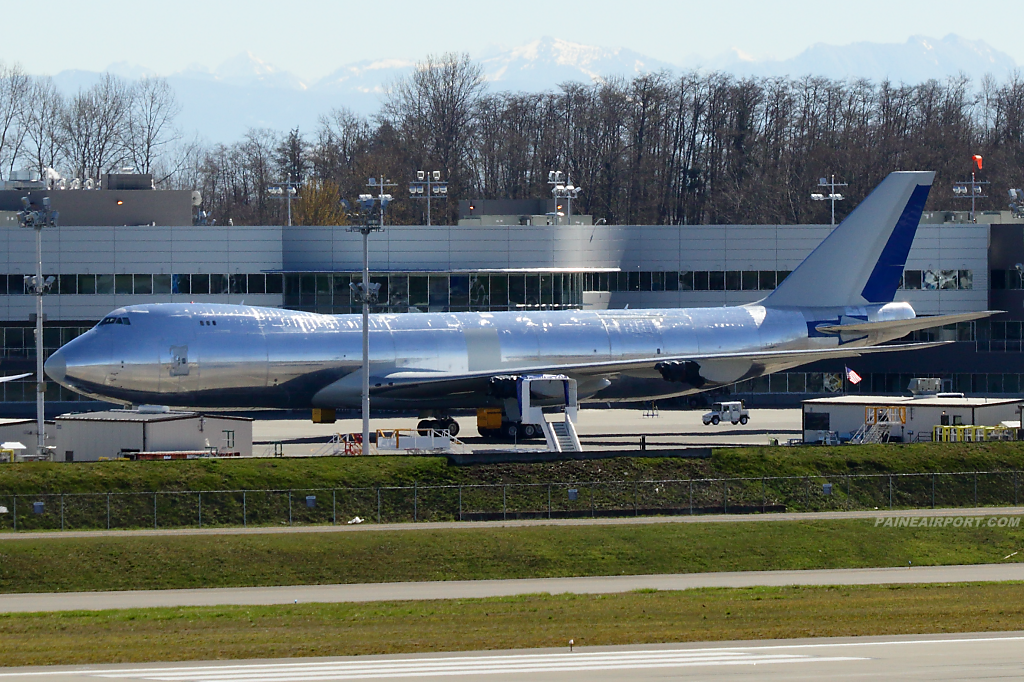 747-8F line 1530 at Paine Airport