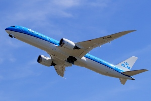 KLM 777 PH-BHE at Paine Field