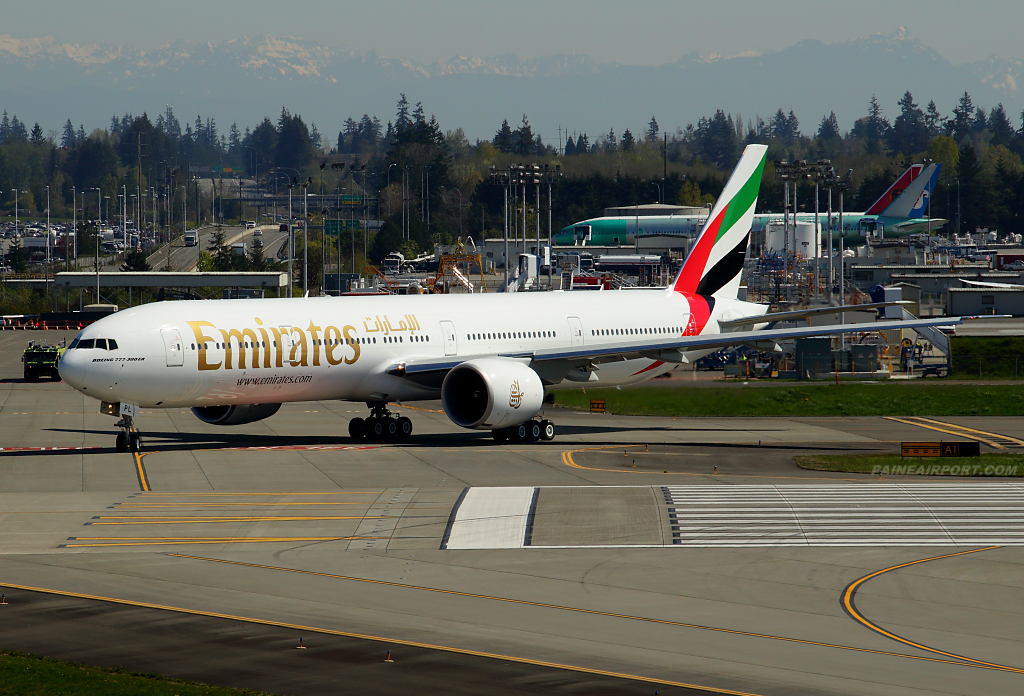 Emirates 777 A6-EPL at Paine Airport