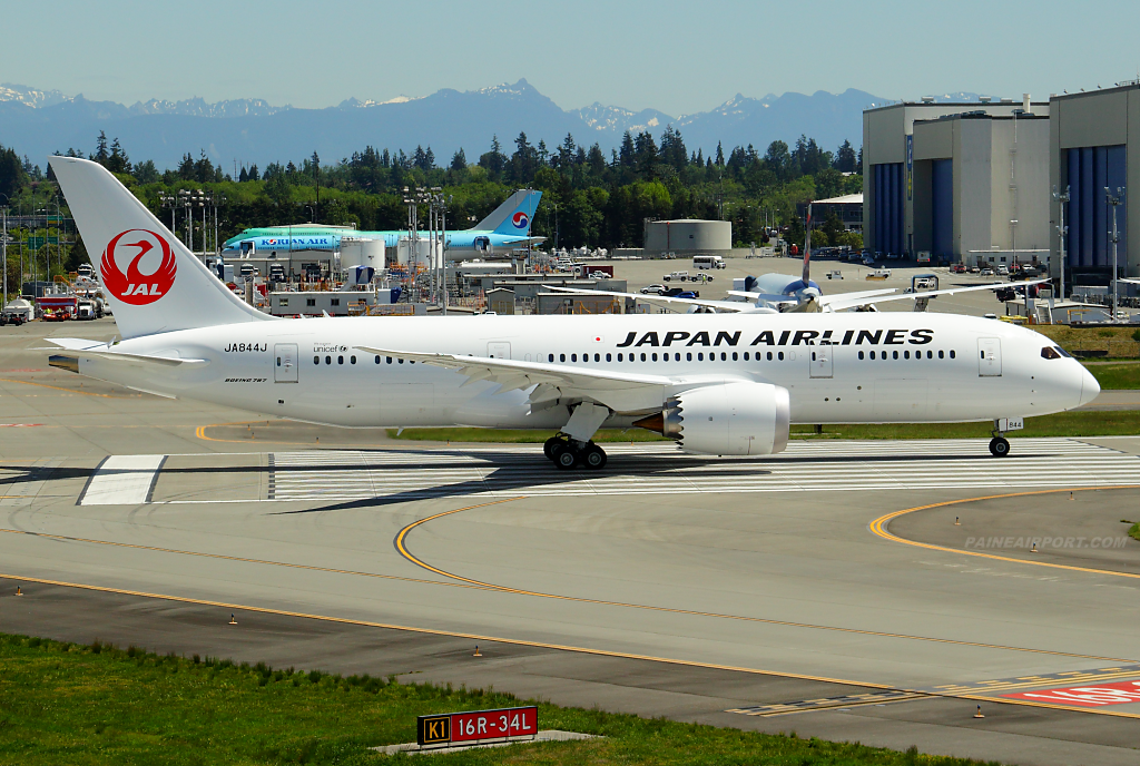 Japan Airlines 787-8 JA844J at Paine Airport
