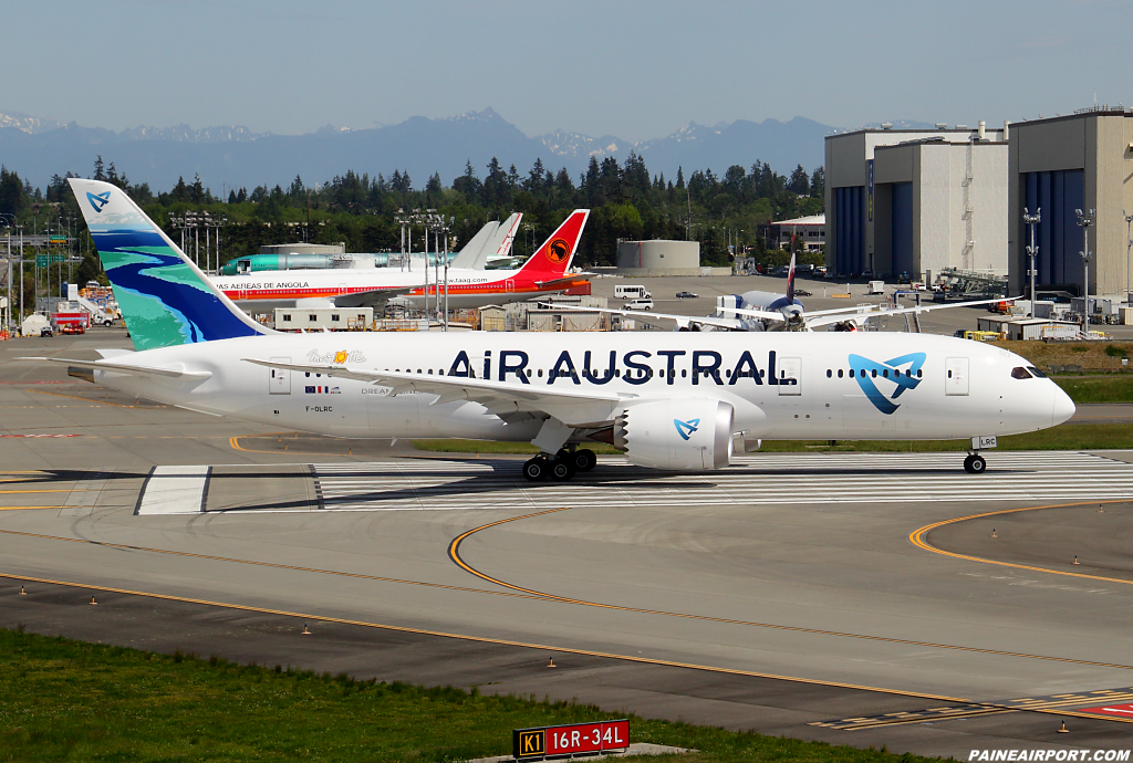 Air Austral 787-8 F-OLRC at Paine Airport