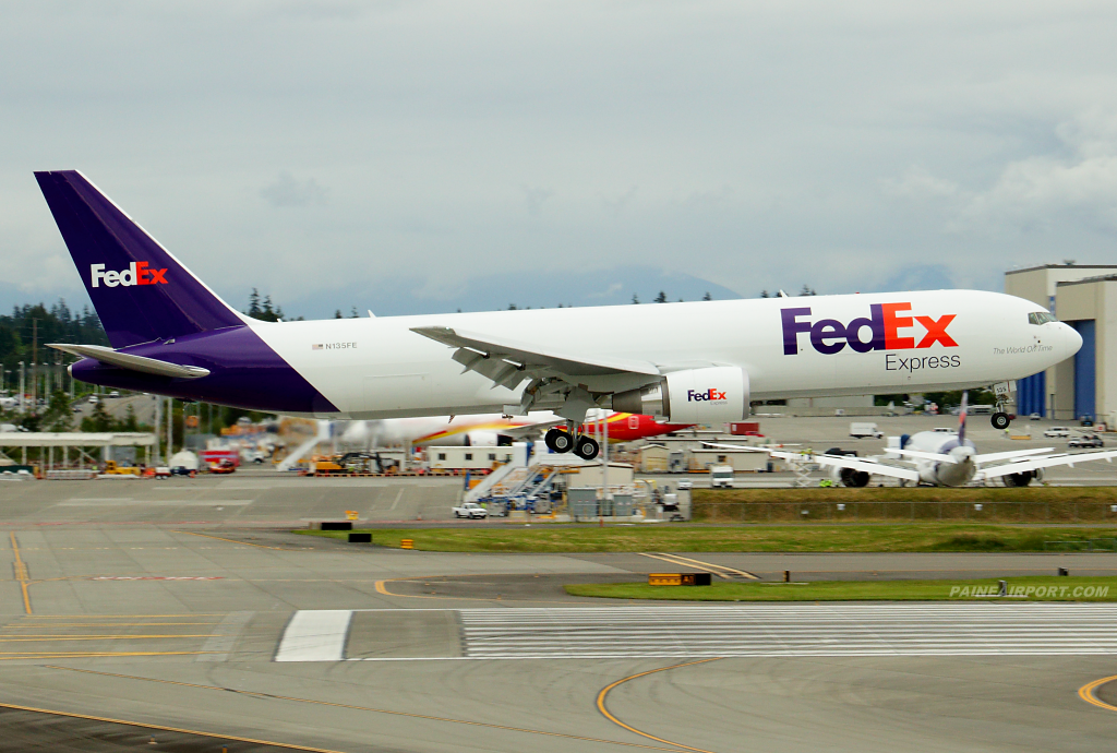 FedEx 767 N135FE at Paine Airport