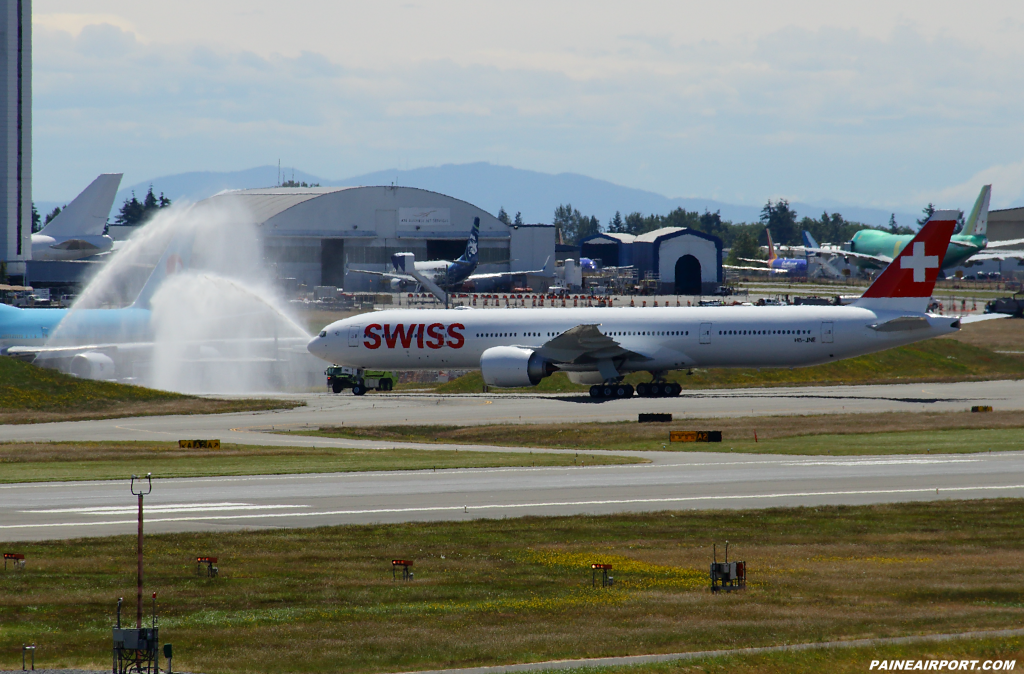 Swiss 777 HB-JNE at Paine Airport