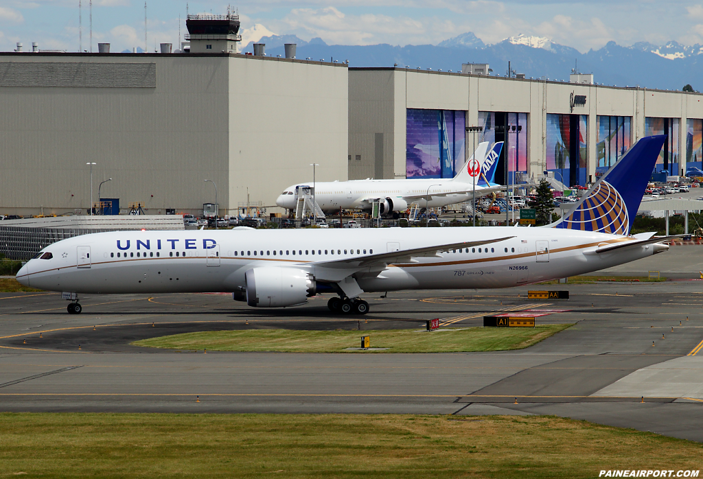 United Airlines 787-9 N26966 at Paine Airport