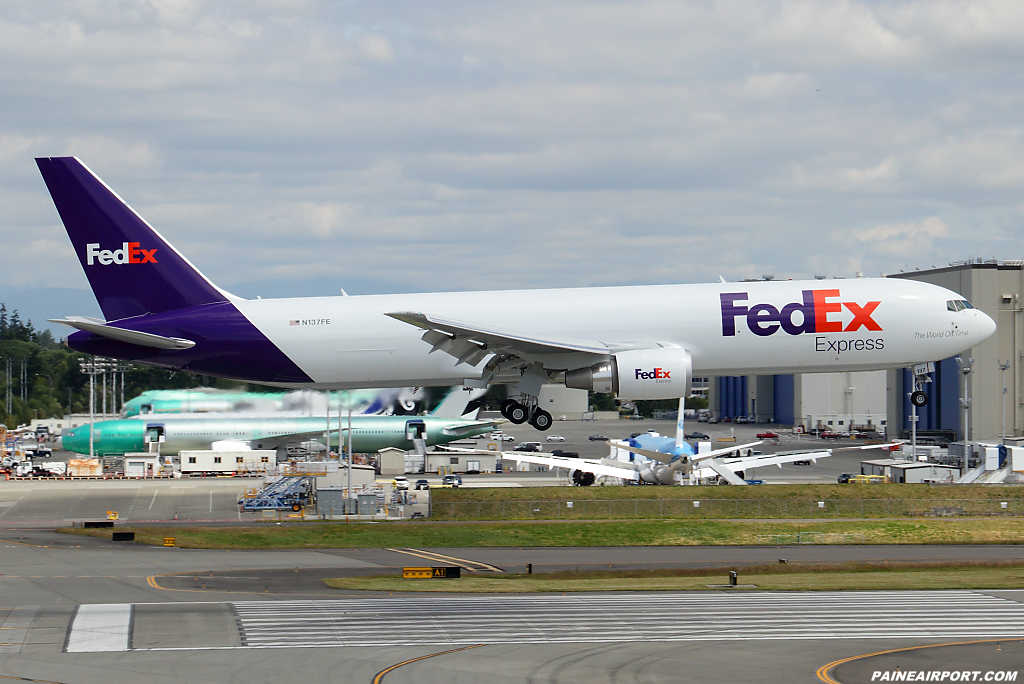FedEx 767 N137FE at Paine Airport