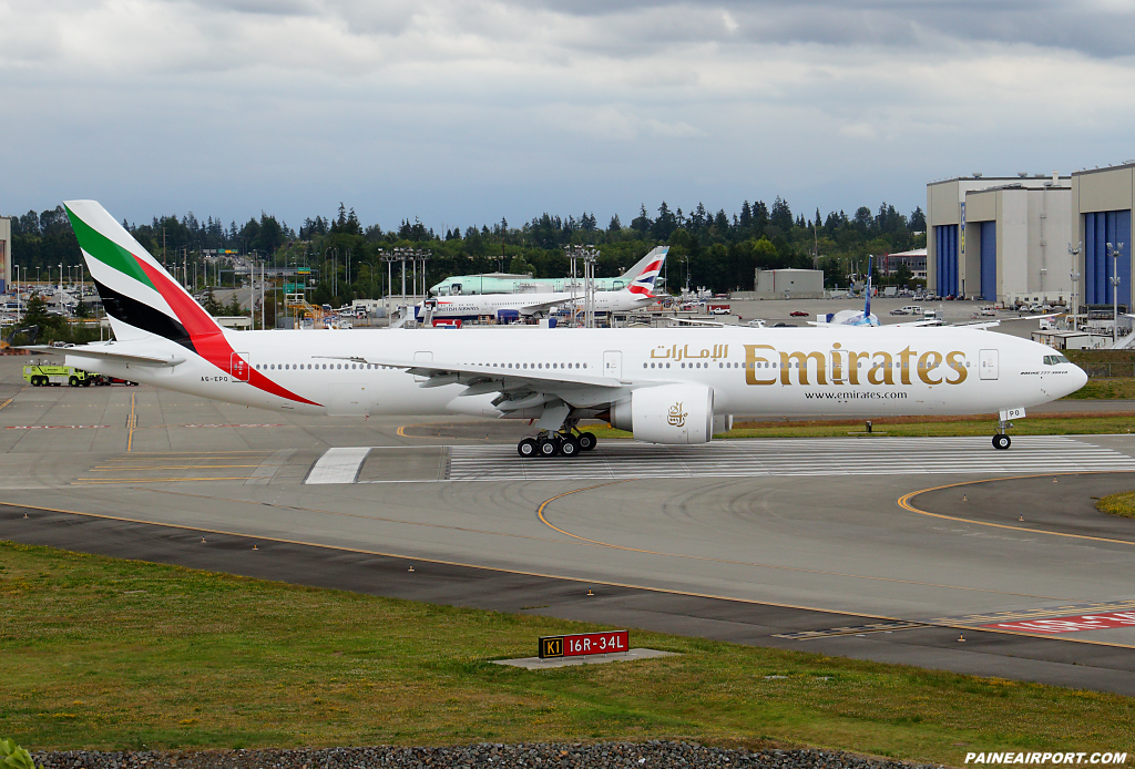 Emirates 777 A6-EPO at Paine Airport