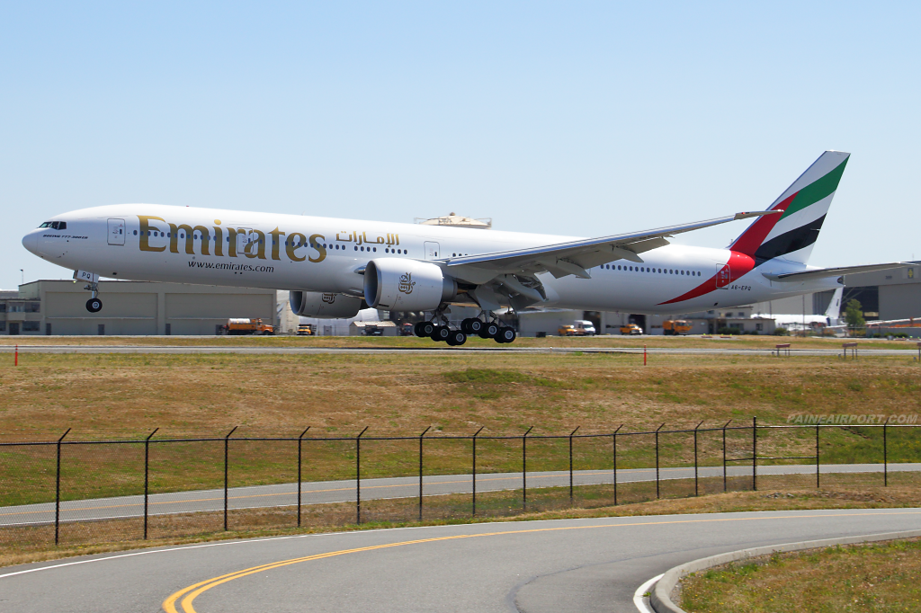 Emirates 777 A6-EPQ at Paine Airport