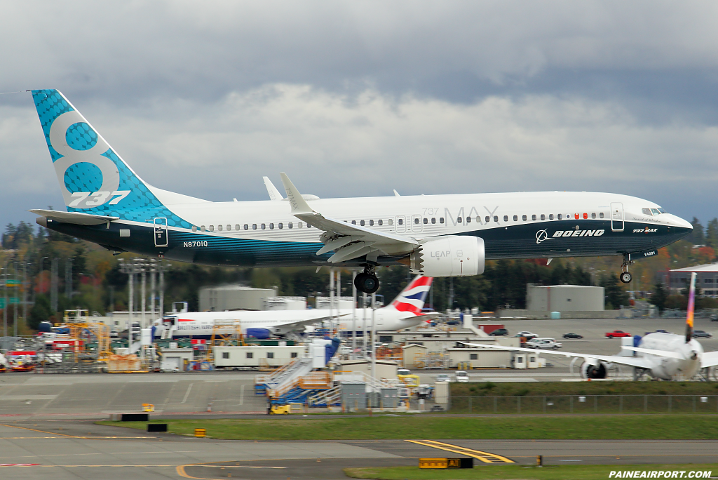 737 MAX N8701Q at Paine Airport