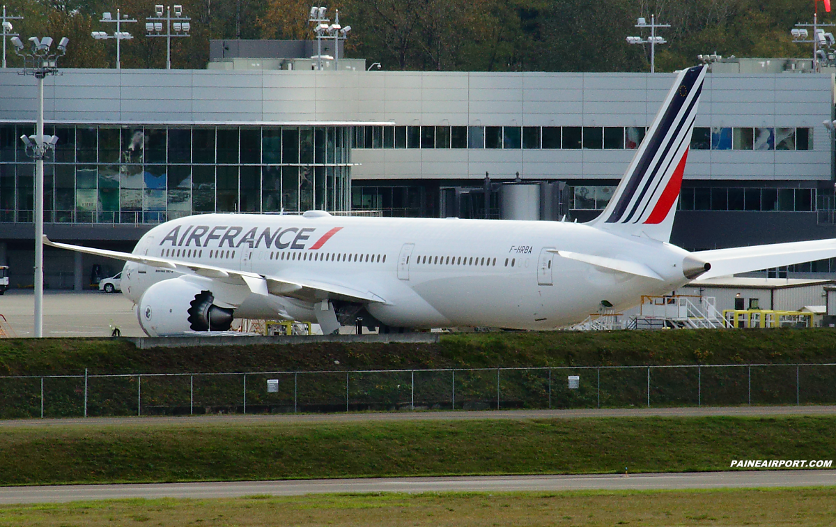 air france 787 9 f hrba at paine field. Black Bedroom Furniture Sets. Home Design Ideas