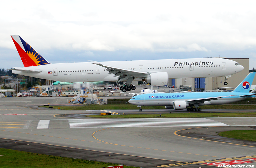 Philippine Airlines 777 RP-C7779 at Paine Airport